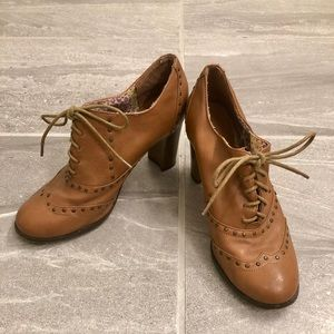 🍂Brown Heeled Ankle Booties